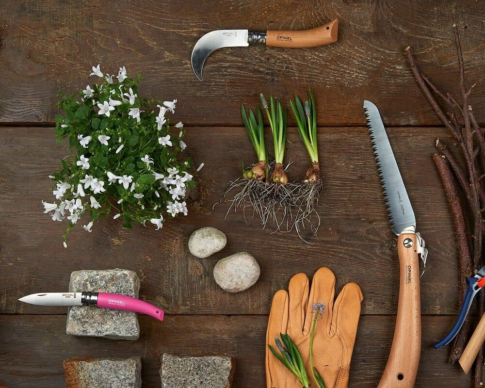 The Best Garden Knife You Should Have in 2021!